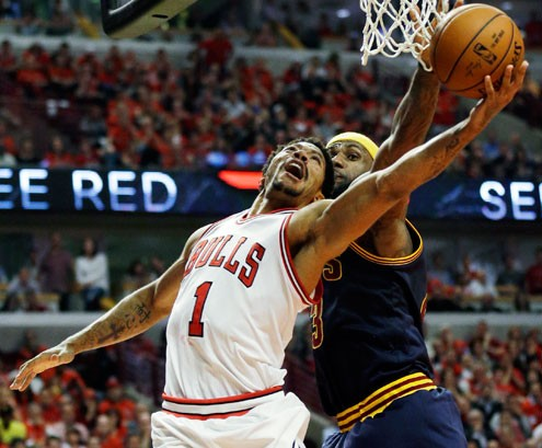 bcc562ecb7d6 Chicago Bulls guard Derrick Rose drives to the basket (Photo  Nam Y. Huh
